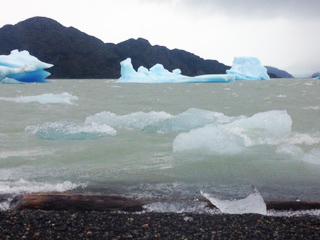 grey lake kayak trip, Hello Patagonia guests testominial. Torres del Paine